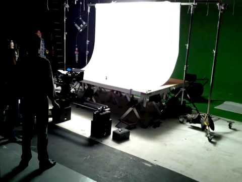 How to build a filmset for 5 seconds packshots