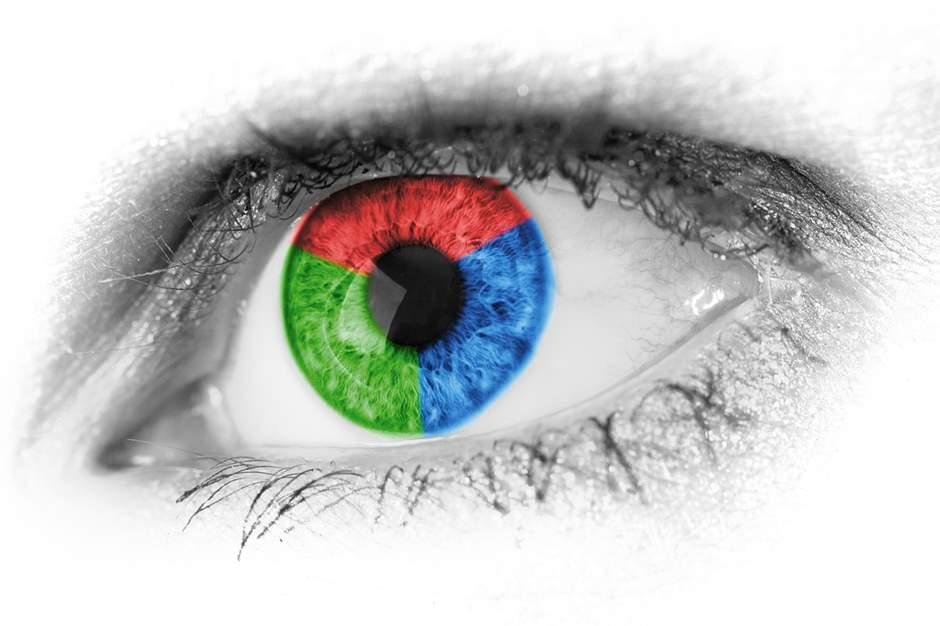 Auge mit bunter Iris