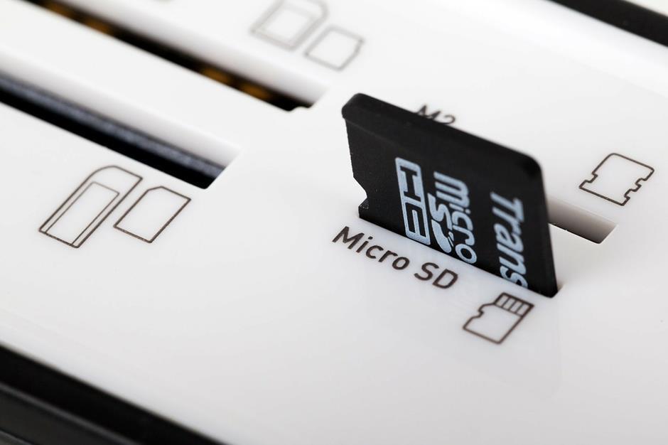 Micro SD Speicherkarten Slot